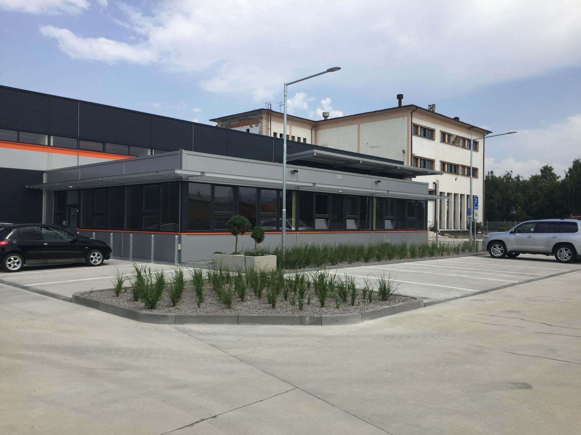 Skladovacie haly s administratívou - Topoľčany