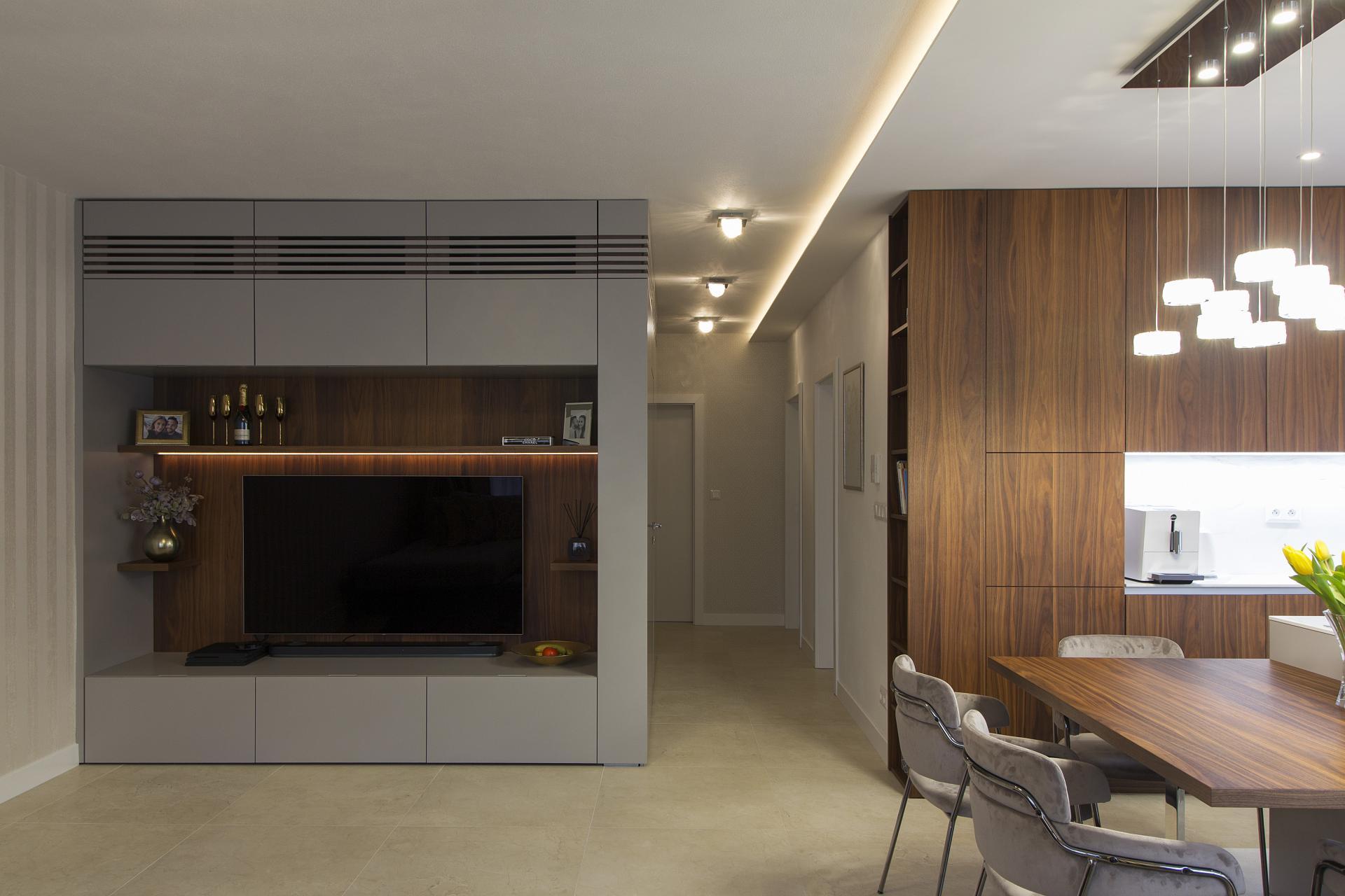 Nitra - zariadenie 3 - izbového bytu